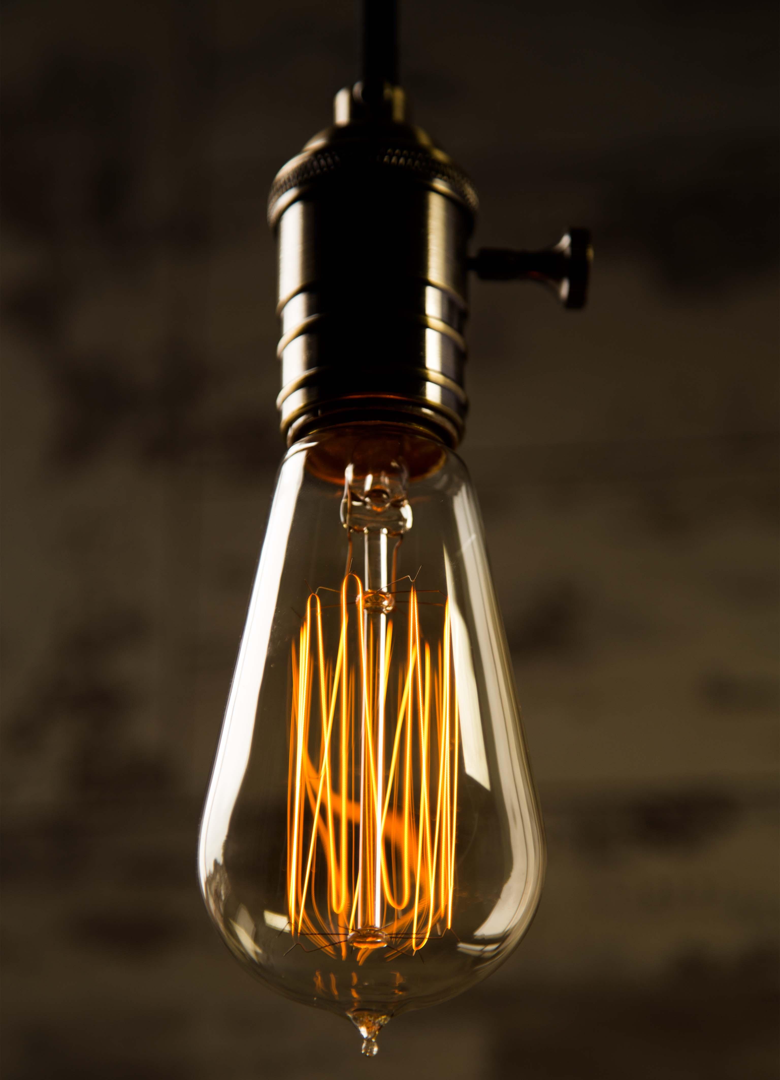 Teardrop st64 william and watson vintage edison bulb industrial light - Teardrop Medium William And Watson Industrial Vintage Retro Edison Light Bulb White Copy Black Teardrop Cropped Img_2237 Teardrop Med Lowangle Cropped